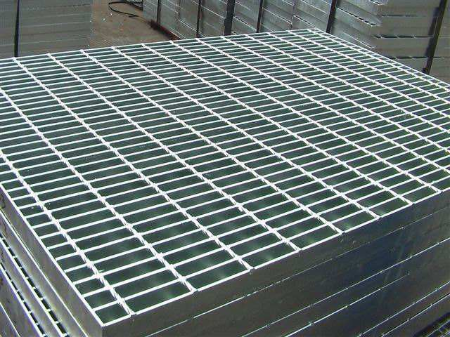 Full Automatic Steel Grating Welding Equipment For Mesh Width 1200mm