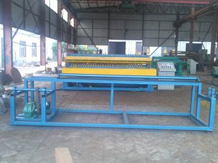High Efficiency Steel Roll Mesh Welding Machine For 3mm - 6mm Wire Diameter