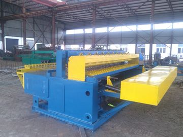 Safe Automatic Steel Wire Mesh Machine , Grid Welding Machine For Uniform Mesh