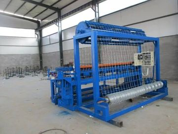 China Fixed Knot Cattle Fence Mesh Making Machine , Automatic Field Fence Machine distributor