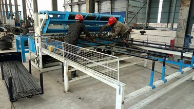 China Fully Automatic Roll Mesh Welding Machine / Wire Mesh Fencing Machine distributor